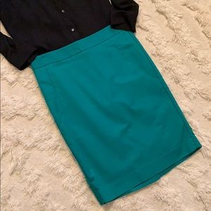 The Limited Pencil Skirt - size 8 Tall